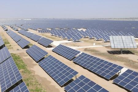 二,充分发挥海西州优良的太阳能资源优势,丰富的风能资源优势,大量