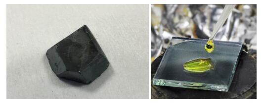 """,而且典型的钙钛矿晶体具有一种特殊的立方结构。如图1所示,在钙钛矿晶体的立方结构中,A元素是一个大体积的阳离子,居于立方体的中央;B元素是一个较小的阳离子,居于立方体的8个顶点;C元素是阴离子,居于立方体的12条边的中点。换言之,若某种材料的晶体结构于此相符,则此类材料就可被称为钙钛矿材料。 600)makesmallpic(this,600,1800); src=""""http://www."""